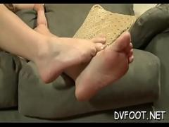 Play videotape recording category feet (307 sec). Nice-looking hotty gets her legs and feet licked passionately.